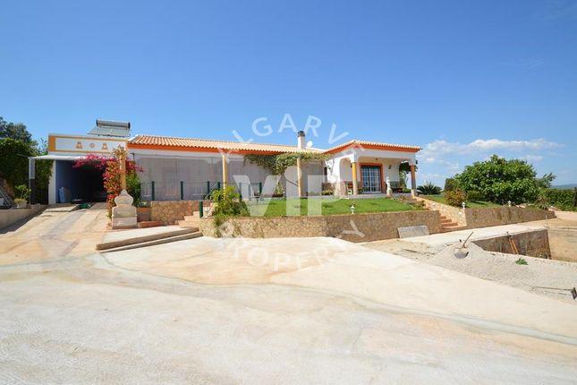 Villa for sale in 8200 Paderne, Portugal