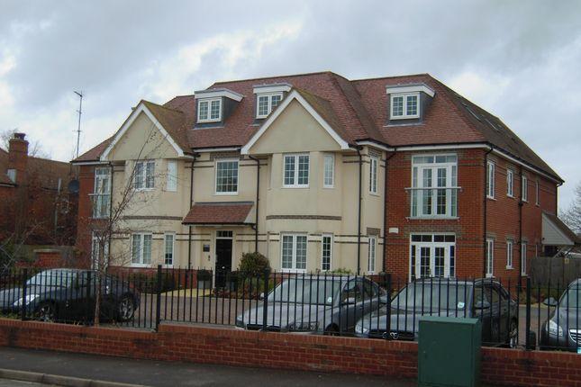 Thumbnail Flat to rent in Monks Lane, Newbury
