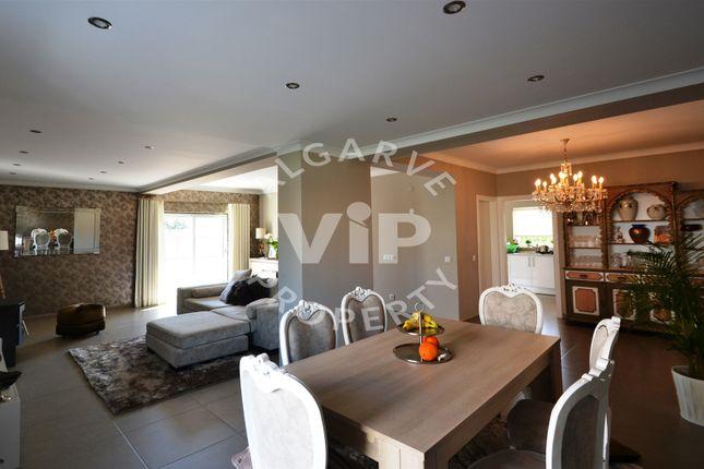 3 bed villa for sale in Gale, Albufeira, Albufeira Algarve