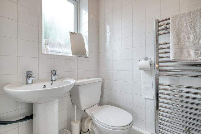En Suite of Kidderminster Road, Dodford, Bromsgrove B61