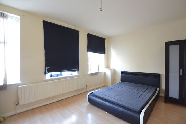 Thumbnail Flat to rent in Greenford Road, Greenford