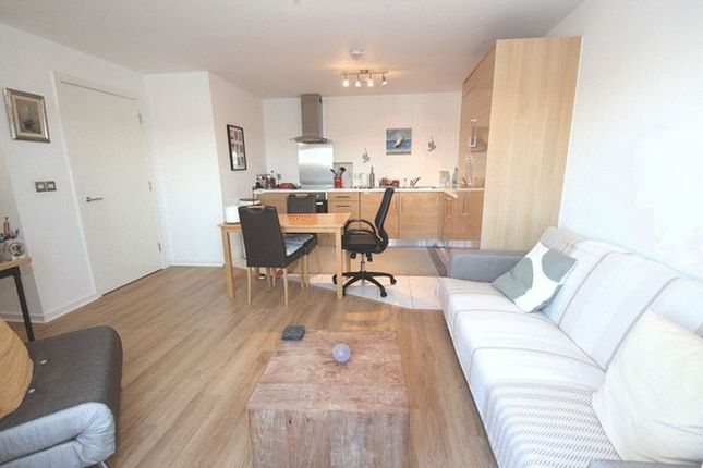 Thumbnail Flat to rent in Cardigan Road, London
