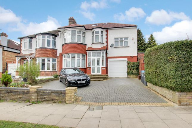 Thumbnail Property for sale in Ringwood Way, London