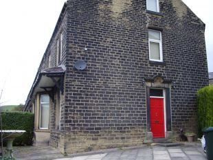 Thumbnail Terraced house to rent in Hollins Bank, Sowerby Bridge