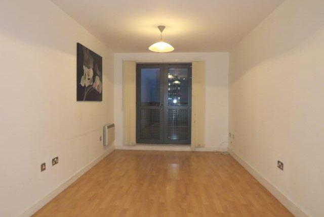 Living Room of Dock Street, Hull HU1