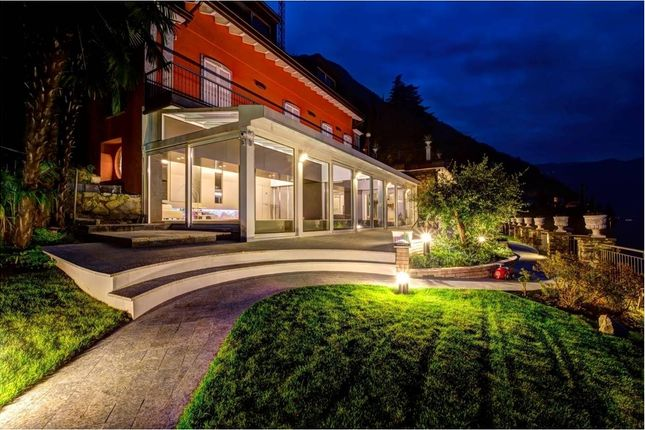 Thumbnail Villa for sale in Via Regina, Brienno, Como, Lombardy, Italy