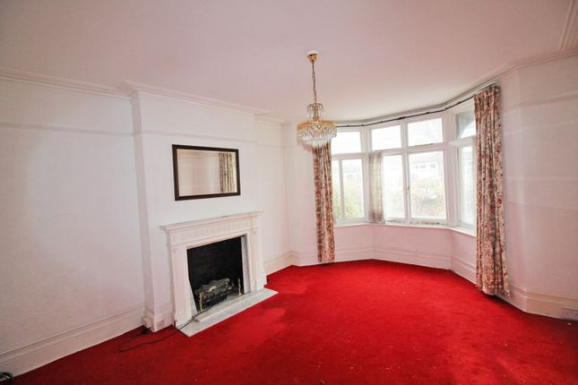 4 bed property for sale in Fernleigh Road, London
