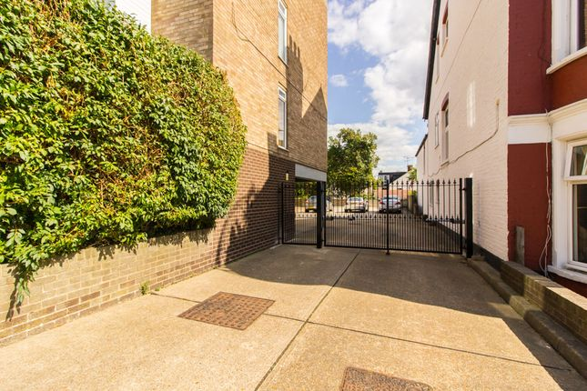 Gated Access of Palmerston Road, Westcliff-On-Sea SS0