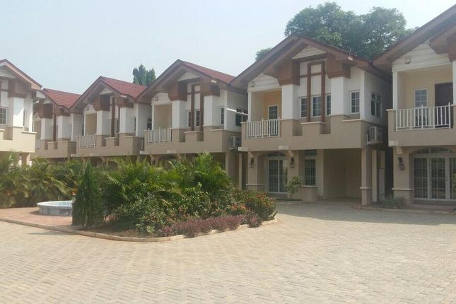 Thumbnail Town house for sale in Araasp1, Airport Residential, Ghana