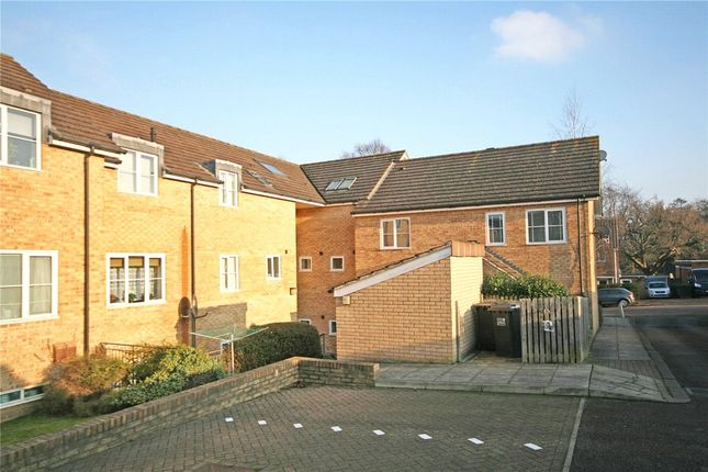 2 bed flat for sale in Maidensfield, Welwyn Garden City, Hertfordshire AL8