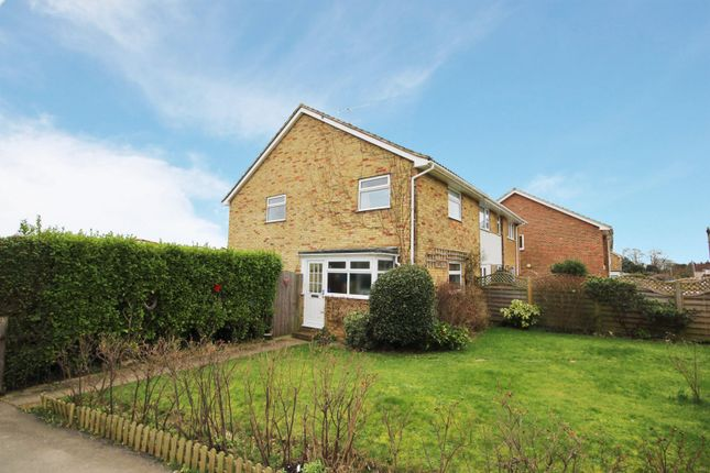3 bed property to rent in Pelham Road, Worthing BN13