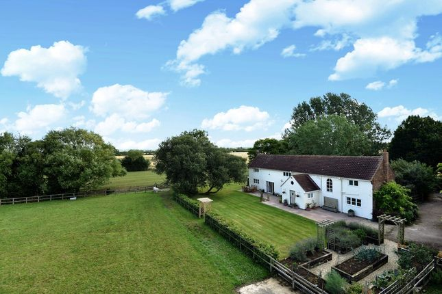 Thumbnail Farmhouse for sale in Piddington Road, Ludgershall, Aylesbury