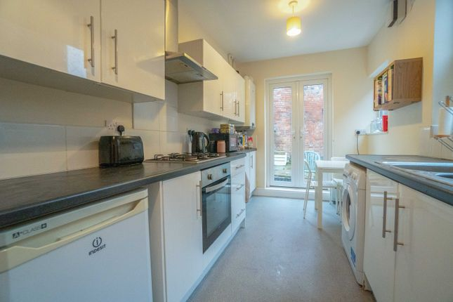 Thumbnail Terraced house to rent in Thurlow Road, Leicester