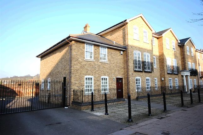 Thumbnail Semi-detached house to rent in High Street, Berkhamsted