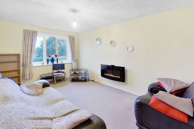 1 bed flat to rent in Fontwell Road, Branston, Burton-On-Trent, Staffordshire DE14
