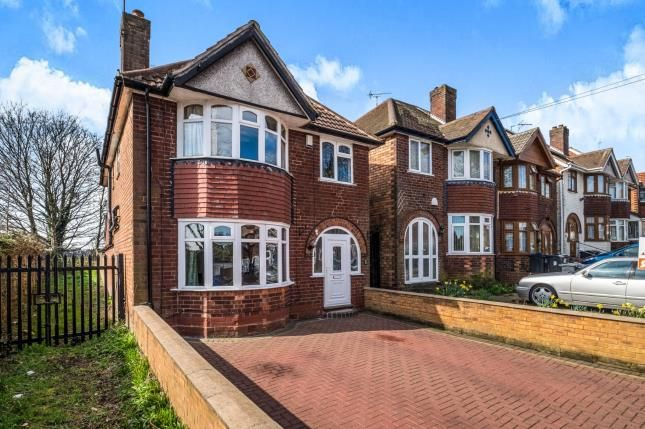 Thumbnail Detached house for sale in Beaufort Avenue, Hodge Hill, Birmingham, West Midlands