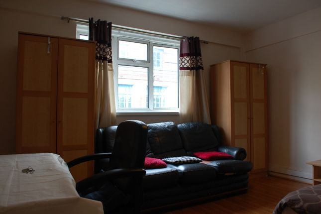 Thumbnail Flat to rent in Sidmouth Street, Sidmouth Mews, Kings Cross