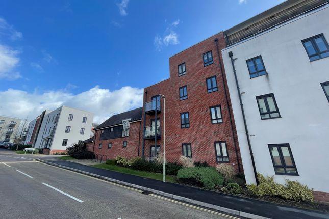 2 bed flat to rent in Sinclair Drive, Basingstoke RG21