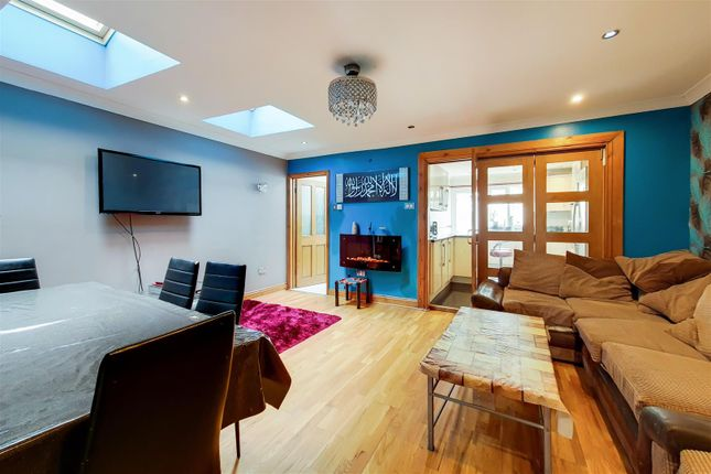 Thumbnail Terraced house for sale in Cottenham Road, London