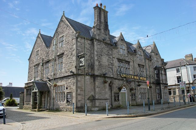 Thumbnail Hotel/guest house for sale in Bulkley Square, Llangefni, Anglesey