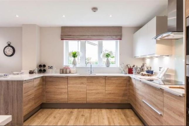 Thumbnail Flat for sale in Thame Road, Chinnor
