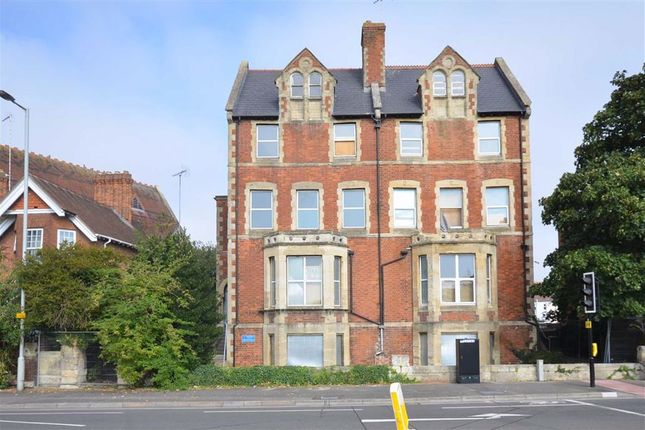 Thumbnail Town house for sale in Park Road, Gloucester