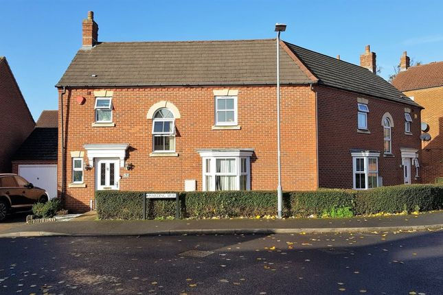 Thumbnail Property to rent in Harding Spur, Langley, Slough