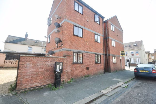 Studio to rent in Grafton Road, Bedford MK40