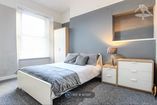 Thumbnail Room to rent in Stonehouse, Plymouth