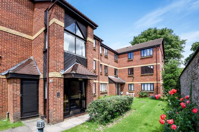Thumbnail Flat for sale in Rosethorn Close, Balham