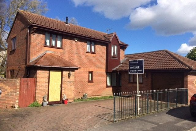 5 bed detached house for sale in Cardinal Hinsley Close, Newark