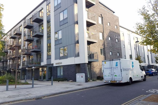 Thumbnail Flat to rent in Pooles Park, London