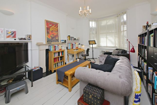 2 bed flat for sale in Estelle Road, London