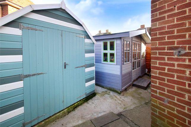 Picture No. 17 of Griffin Crescent, Littlehampton, West Sussex BN17