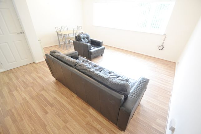 Thumbnail Flat to rent in Park View Court, Leeds