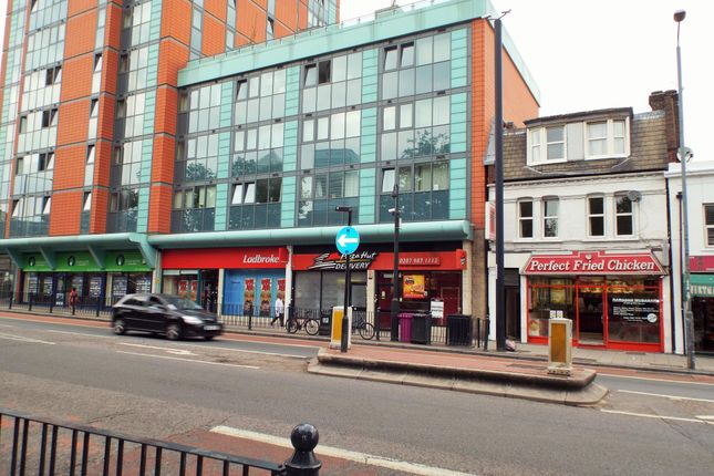 Thumbnail Flat to rent in East India Dock Road, London, Poplar