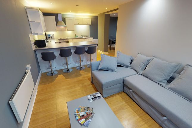 Thumbnail Maisonette to rent in 124 Viva Apartments, Commercial Street, Birmingham
