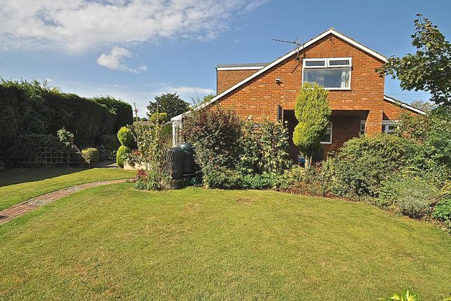 Thumbnail Bungalow for sale in Glebe Drive, Hull, East Riding Of Yorkshire