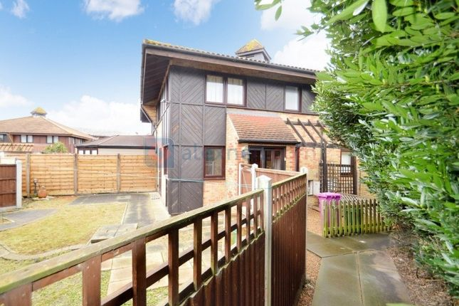 Thumbnail Property to rent in Friars Mead, London