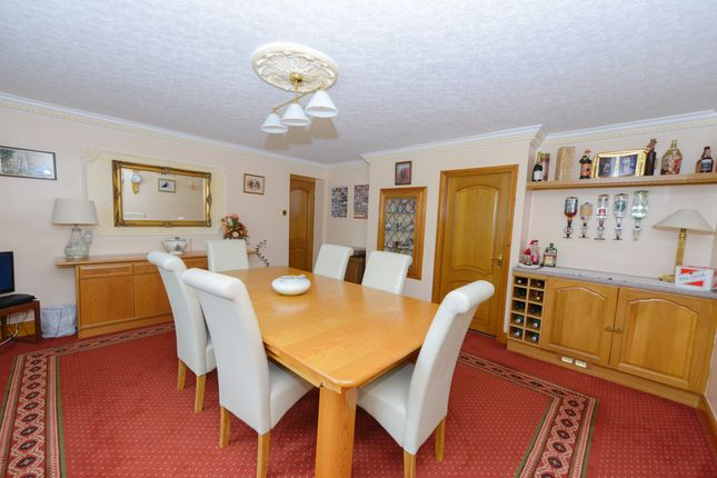 Dining Room of Woodnook Lane, Old Brampton, Chesterfield S42