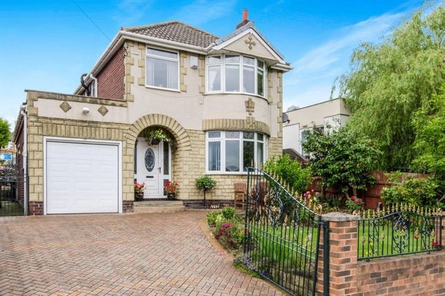 3 bed detached house for sale in Queens Drive, Ossett