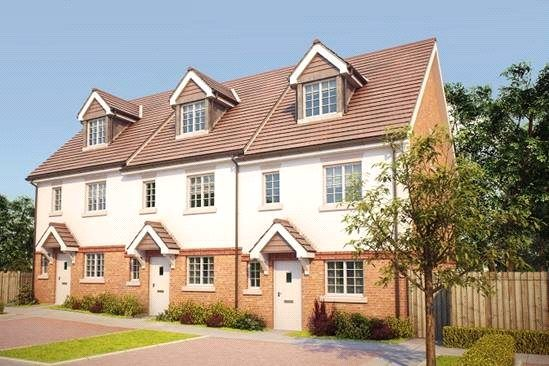 Thumbnail Semi-detached house for sale in Bagshot Road, Knaphill GU212Rn