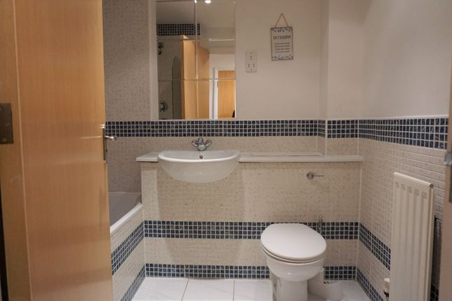 Family Bathroom of Quebec Quay, Liverpool L3