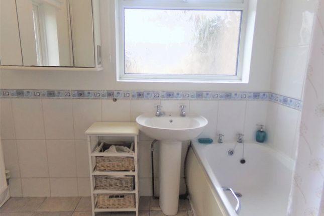 Bathroom of Iffley Road, Swindon SN2