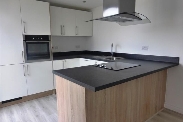 Thumbnail Flat to rent in Wesley Lane, Bicester