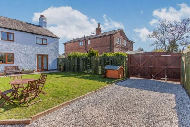 Thumbnail Farmhouse for sale in Old Sirs, Daisy Hill, Westhoughton, Bolton, Lancashire.