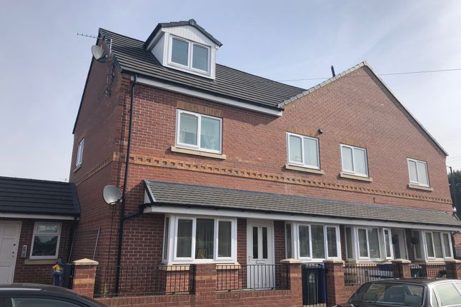 Thumbnail Flat to rent in Owston Road, Carcroft, Doncaster
