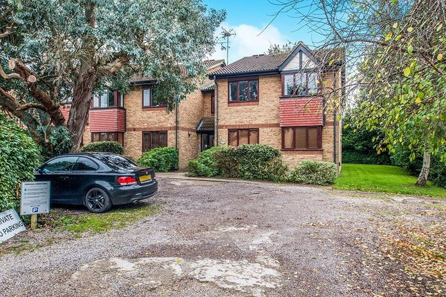 Thumbnail Flat for sale in College Road, Abbots Langley