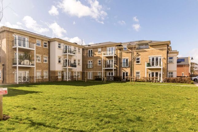 Thumbnail Flat for sale in Dyas Road, Sunbury-On-Thames