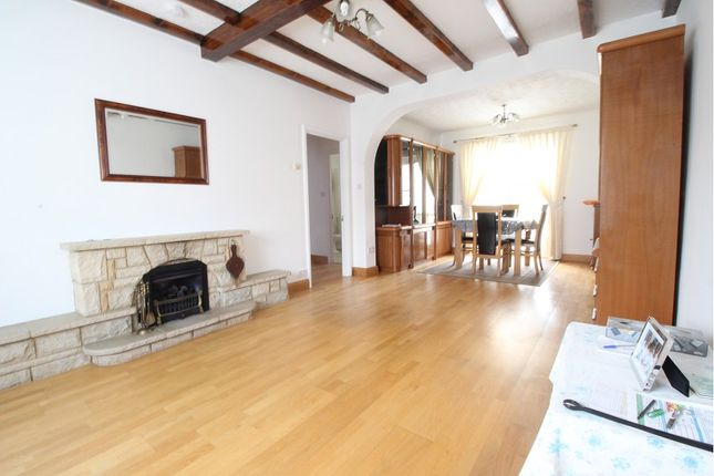 Thumbnail Detached bungalow to rent in Keble Road, Maidenhead